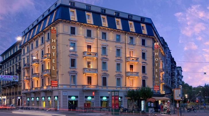 Milaan, Hotel Galles, Façade hotel