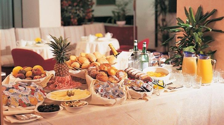 Milaan, Hotel Sant'Ambroeus, Ontbijtbuffet