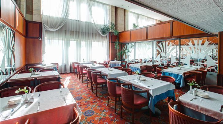 Moskou, Hotel Aerostar, Brasserie