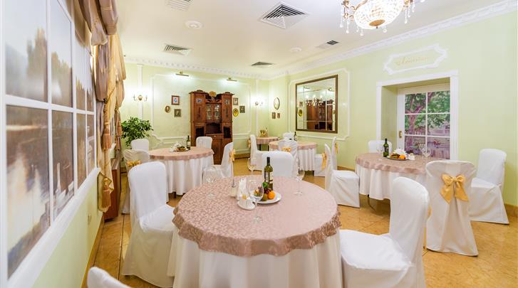 Moskou, Hotel Pushkin, Ontbijtruimte