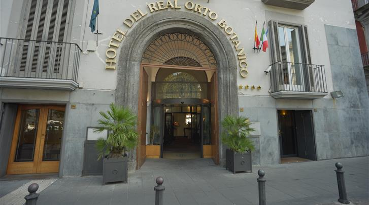 Napels, Hotel Real Orto Botanico, Façade hotel