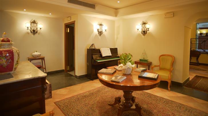 Napels, Hotel Real Orto Botanico, Lobby