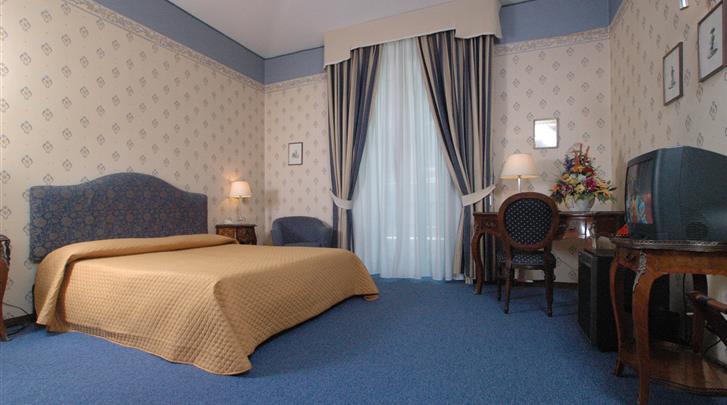Napels, Nuovo Rebecchino Hotel, Standaard kamer