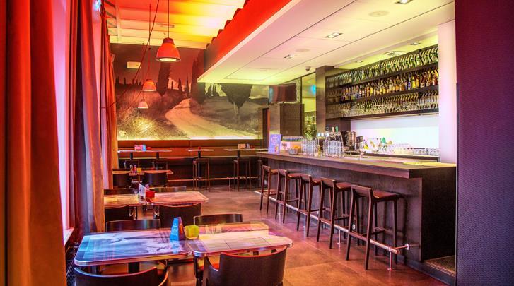 Nederland, Amsterdam, Hotel The Manor, Hotel bar