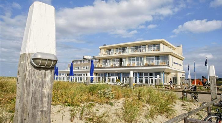 Nederland, Vlieland, Strandhotel Seeduyn, Façade hotel