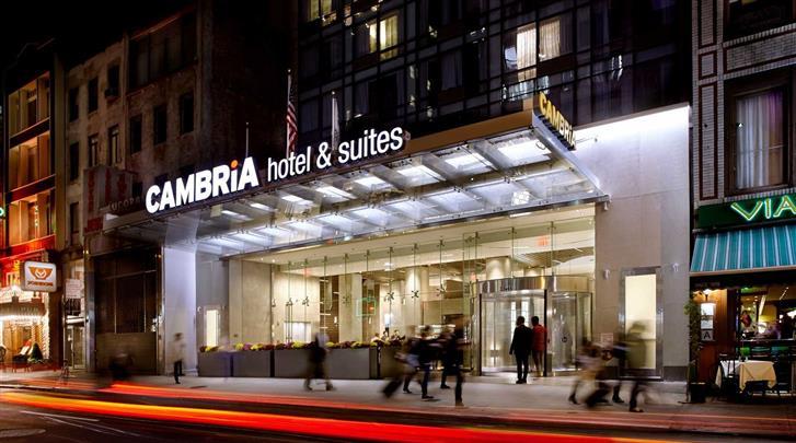 New York, Cambria Hotel & Suites Times Square, Façade hotel
