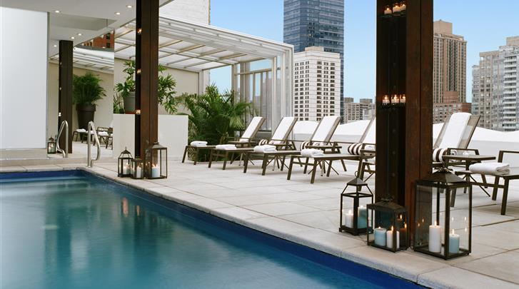 New York, Hotel Empire, Pooldeck met Zwembad