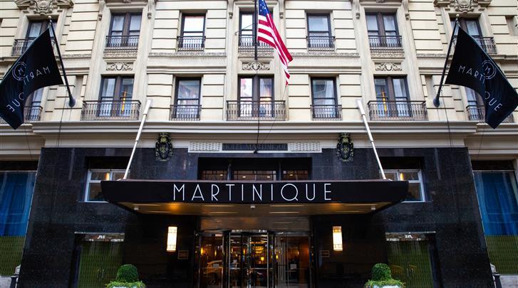 New York, Hotel Martinique on Broadway, Façade hotel