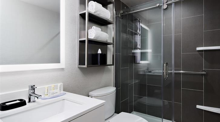 New York, Hotel Towneplace Suites New York Times Square, Badkamer