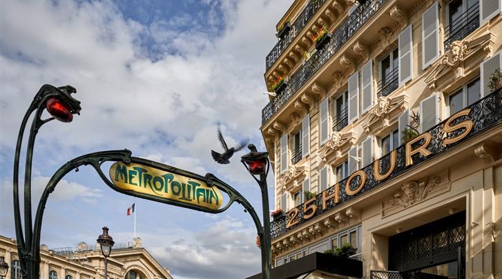 Parijs, Hotel 25hours Paris Terminus Nord, Façade hotel