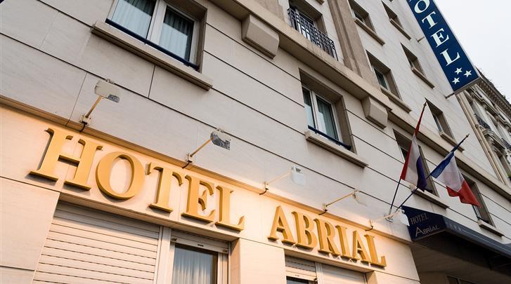 Parijs, Hotel Abrial, Façade hotel