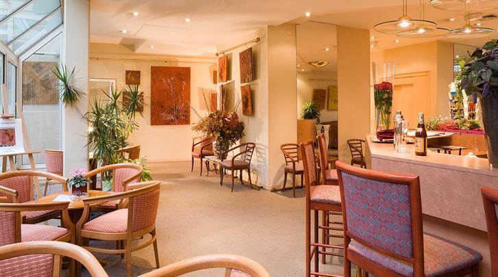 Parijs, Hotel Abrial, Restaurant