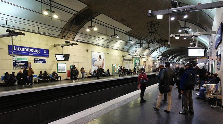 Parijs, Hotel Des Mines, RER-halte op 200m