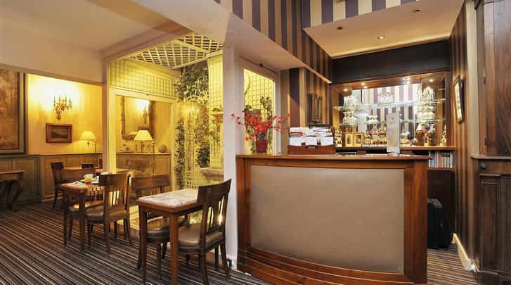 Parijs, Hotel George Sand Courbevoie, Hotel bar