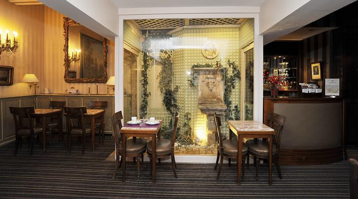 Parijs, Hotel George Sand Courbevoie, Ontbijtrestaurant