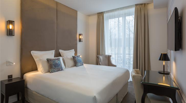 Parijs, Hotel La Comtesse, Superior kamer Marquise