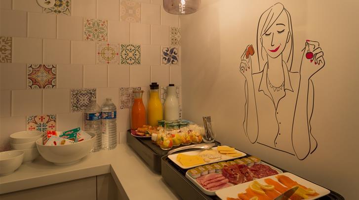 Parijs, Hotel La Parizienne, Ontbijtbuffet