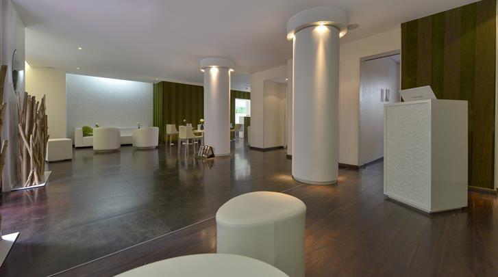 Parijs, Hotel Le Quartier Bercy-Square, Lobby