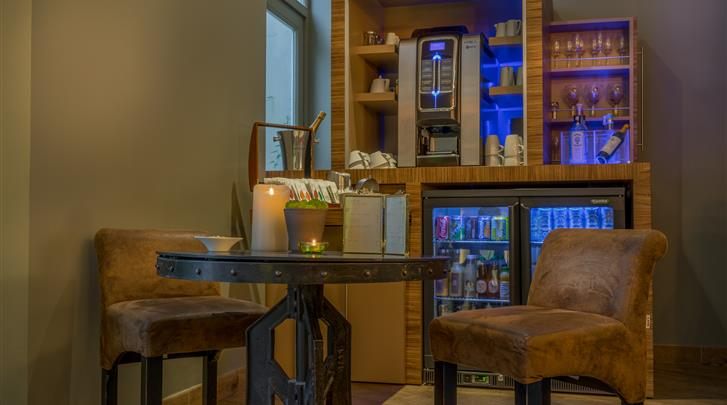 Parijs, Hotel Legend, Hotel bar