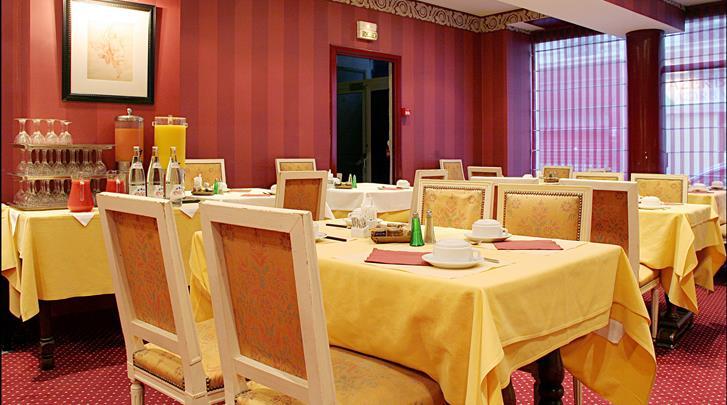 Parijs, Hotel Normandy, Ontbijtruimte