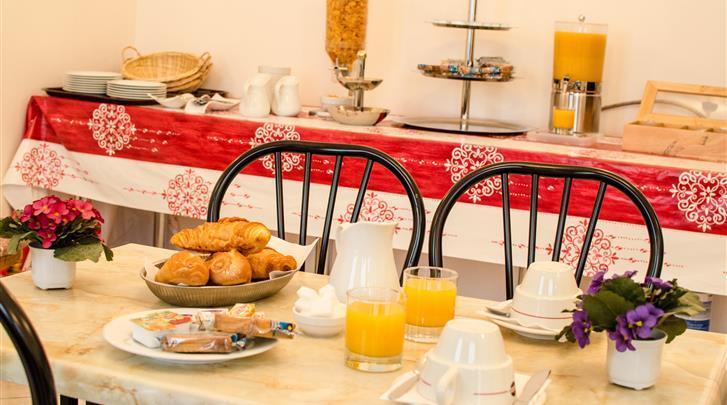 Parijs, Hotel Paris Bruxelles, Continentaal ontbijt