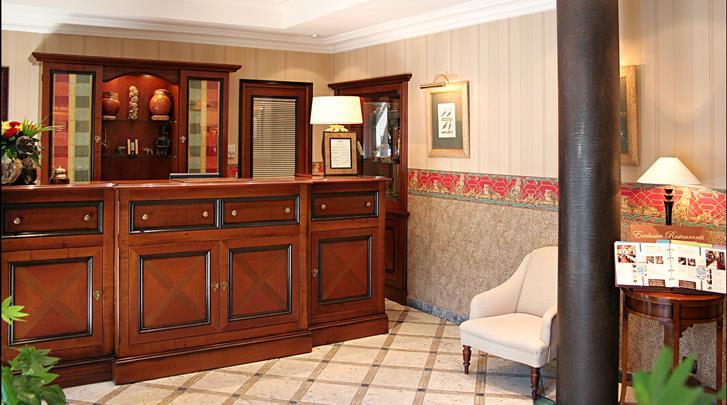 Parijs, Hotel Villa Montparnasse, Receptie