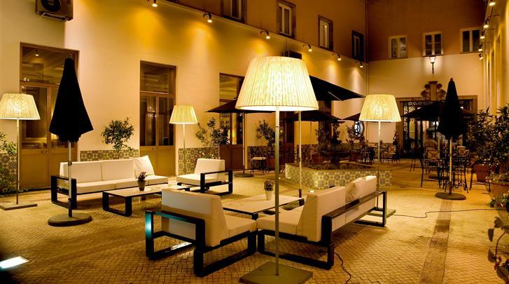 Porto, Hotel Infante de Sagres, Patio