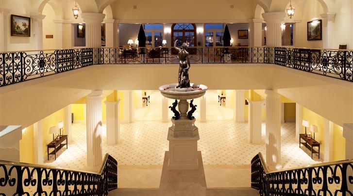 Porto, Hotel The Yeatman, Lobby