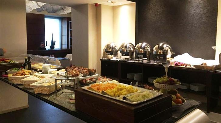 Praag, Hotel 987 Prague, Ontbijtbuffet