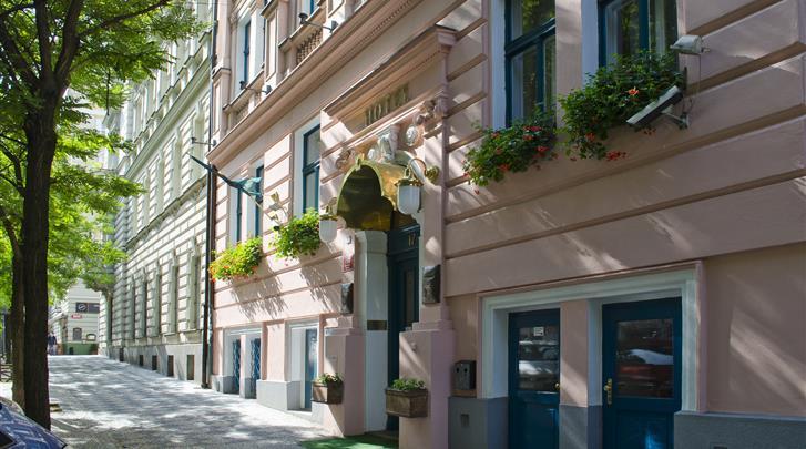 Praag, Hotel Anna, Façade hotel