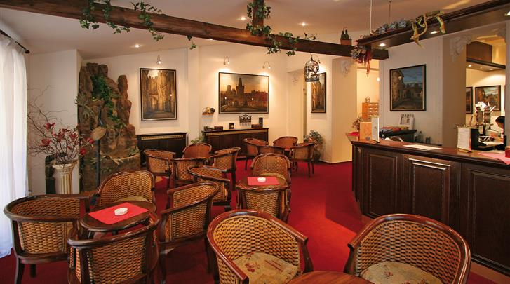 Praag, Hotel Atos, Hotel bar