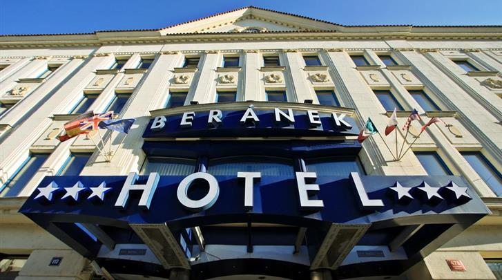 Praag, Hotel Beranek, Façade hotel