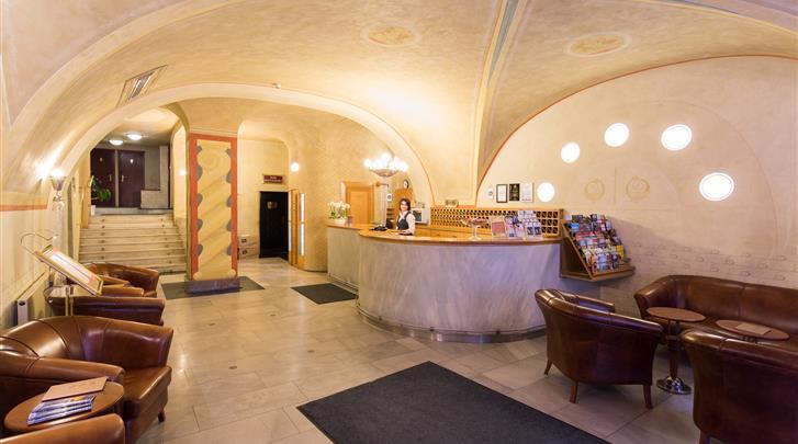 Praag, Hotel Meteor Plaza, Receptie