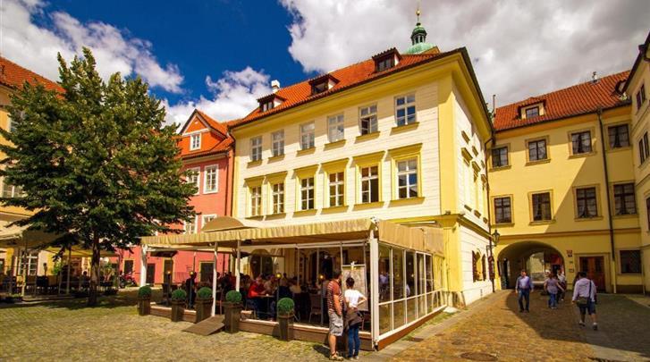 Praag, Hotel Josephine Old Town Square, Façade hotel