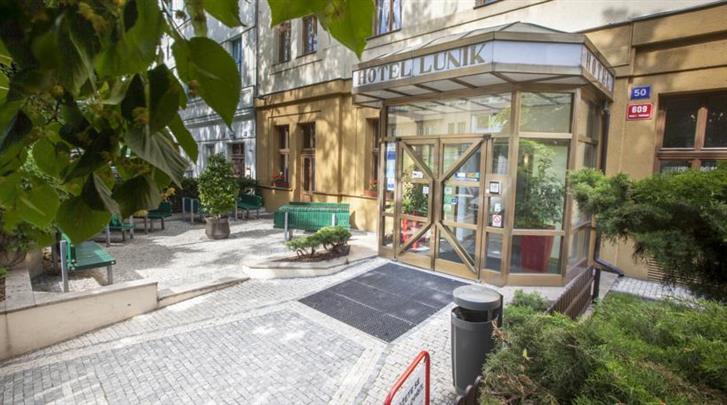Praag, Hotel Lunik, Façade hotel