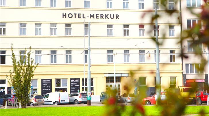 Praag, Hotel Merkur, Façade hotel