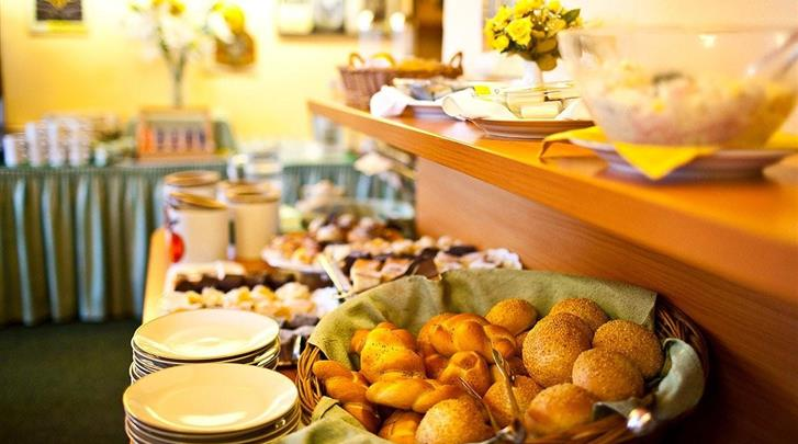 Praag, Hotel Merkur, Ontbijtbuffet