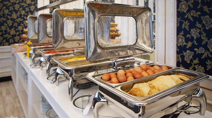 Praag, Hotel Olympik, Ontbijtbuffet