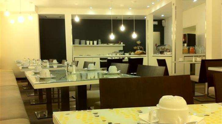 Praag, Hotel Pure White, Ontbijtruimte