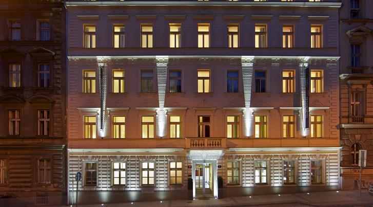 Praag, Hotel Red & Blue Design, Façade hotel