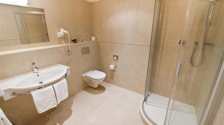 Praag, Hotel Rott, Badkamer