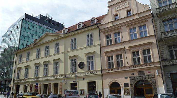 Praag, Hotel U Medvidku, Façade hotel