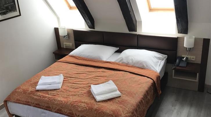 Praag, Hotel U Medvidku, Kamervoorbeeld