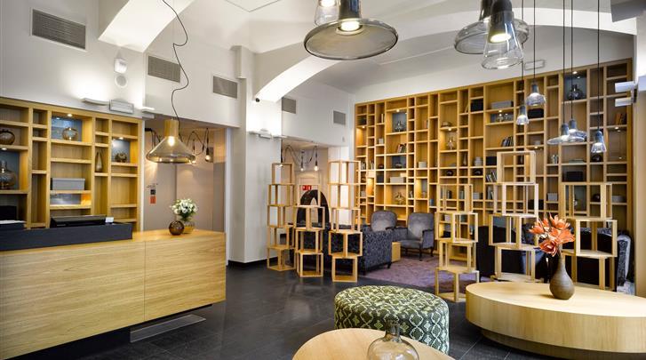 Praag, Hotel Innside by Melia Prague Old Town, Receptie