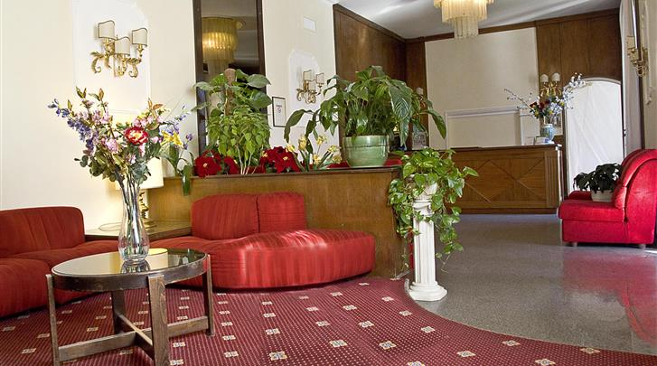 Rome, Hotel Bled, Lobby