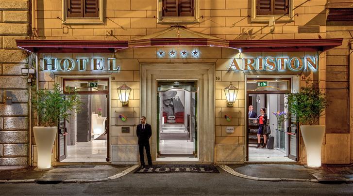Rome, Hotel Ariston, Façade hotel