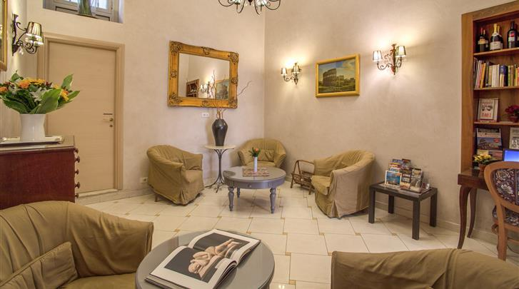 Rome, Hotel Caravaggio, Lobby