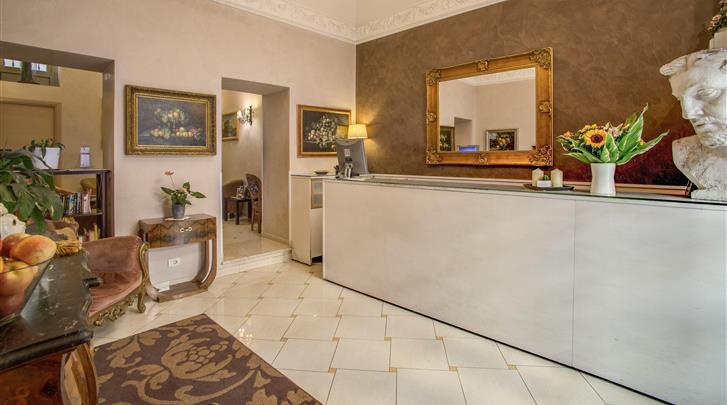 Rome, Hotel Caravaggio, Receptie