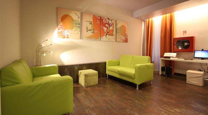 Rome, Hotel Clarin and Morpheus, Lobby