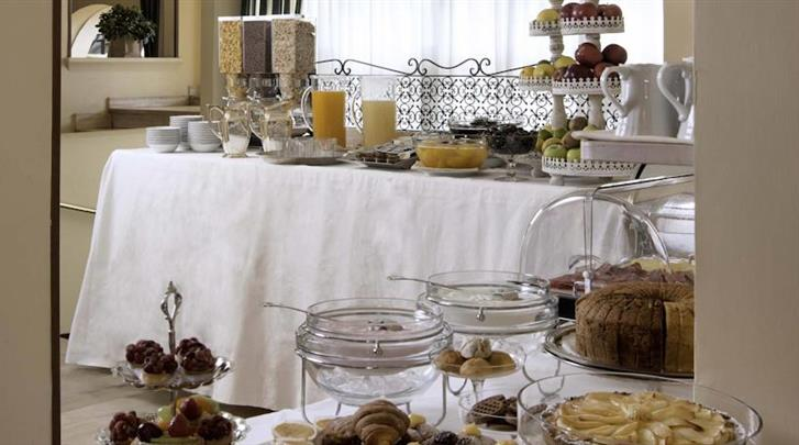 Rome, Hotel Colonna Palace, Ontbijtbuffet